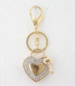 porté clé cadenas coeur