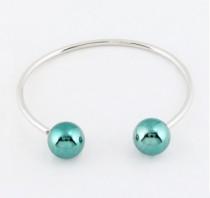 Tendance de l'été : les bijoux à boules / perles
