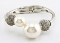 Zoom sur les perles, bijoux tendances de cette fin d'année