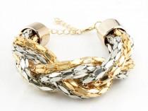 Bagues de phalanges, chaînes à grosse mailles, baroque… les dernières tendances