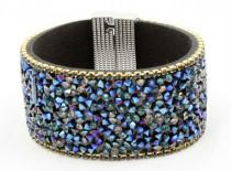 Les bracelets manchettes
