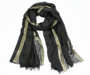 foulard noir et fibre métalique